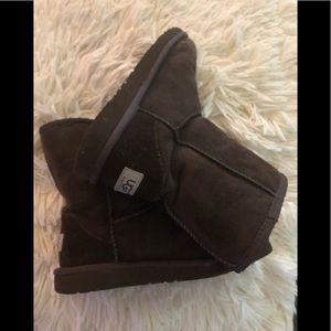 UGG brown boots kids USA 3 UK 2 EU 33 gently worn